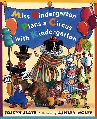 Miss Bindergarten Plans a Circus with KI