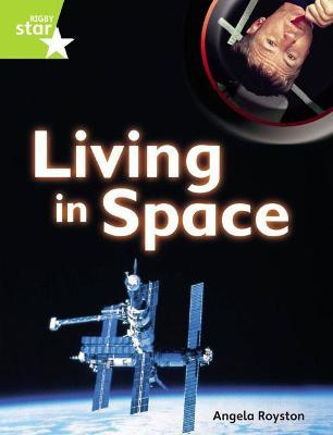 Rigby Star Guided Quest Plus Lime Level: Living in Space - Pupil Book (Single)