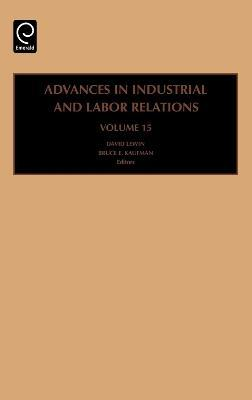 industrial labor relations A labor relations manager has a number of responsibilities, such as negotiating agreements between labor organizations and a company, studying wage data, and researching labor laws since labor.