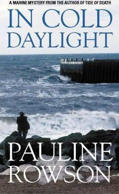 In Cold Daylight - An Award Winning Thriller About One Man's Quest to Discover the Truth Behind the Deaths of Fire Fighters